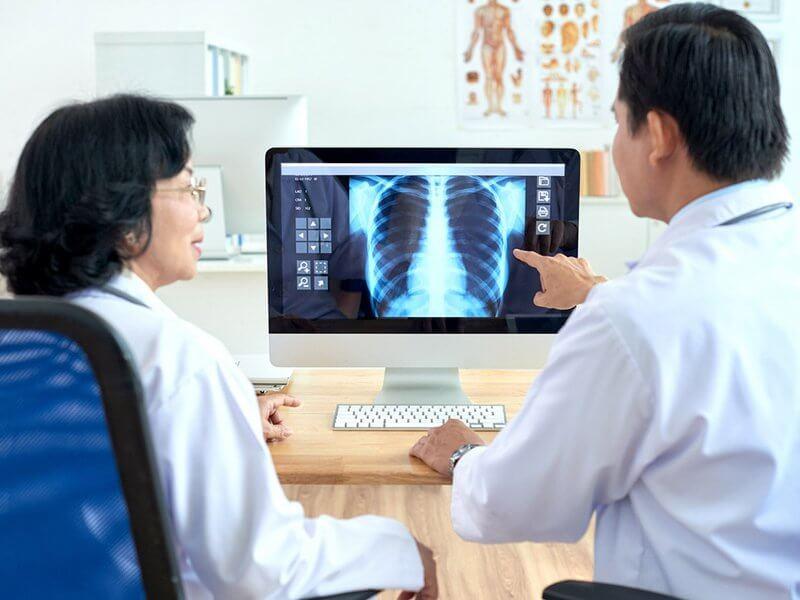 <em>Cận lâm sàng đóng vai trò vô cùng quan trọng trong quá trình chẩn đoán - điều trị bệnh</em>